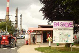 AUDIO - Les ONG écolos et la CGT dénoncent le faux projet vert de Total à Grandpuits