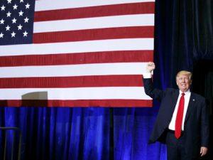 Trump, une posture mussolinienne