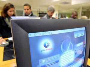 La CGT analyse les offres illégales de Pôle emploi