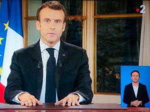 Macron prévoit de faire travailler davantage les Français