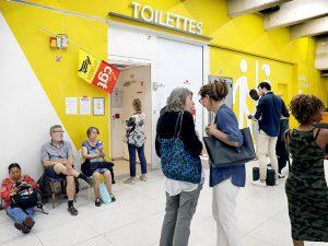 Toilettes des gares de Paris : la justice condamne les grévistes à perdre leur emploi