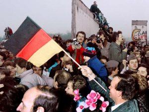 Chute du mur de Berlin en 1989: fin de l'histoire?