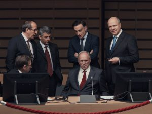 Adults in the room : édifiant thriller politique européen de Costa-Gavras