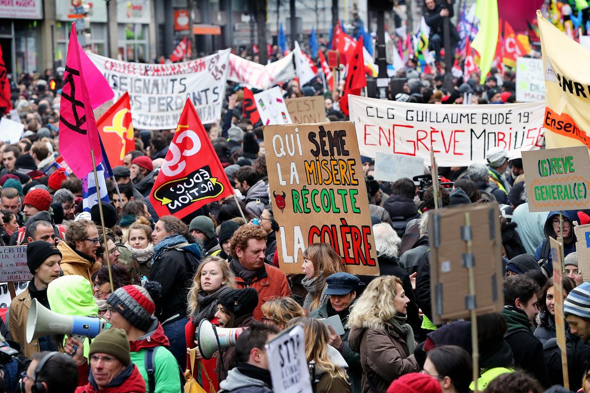 Devant les modalités de la réforme annoncée, les grévistes et tou·te·s les Français·es qui rejettent la nouvelle marche vers la casse du système de protection sociale se sont retrouvés dans la rue, comme manifestant·es à de nombreuses reprises depuis le début du mois de décembre.