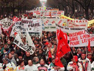 En 1995, trois semaines de grève et l'arrêt d'une réforme des retraites et de l'assurance maladie
