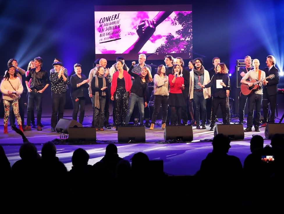 Un concert de solidarité avec les grévistes rassemble plus de 3 600 personnes à Paris