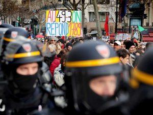 Retraites : le 49-3 remobilise les manifestants