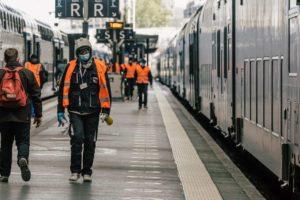 Le trafic SNCF reprend, les cheminots alertent sur les risques sanitaires
