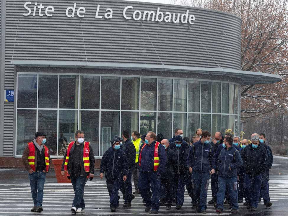 Des salariés de Michelin débrayent à Clermont-Ferrand