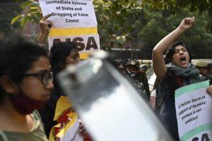 Après la mobilisation de millions de travailleurs indiens, les paysans prêts à aller «jusqu'au bout»