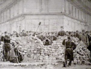 Il y a cent cinquante ans, la Commune, le dossier dans la NVO de mars