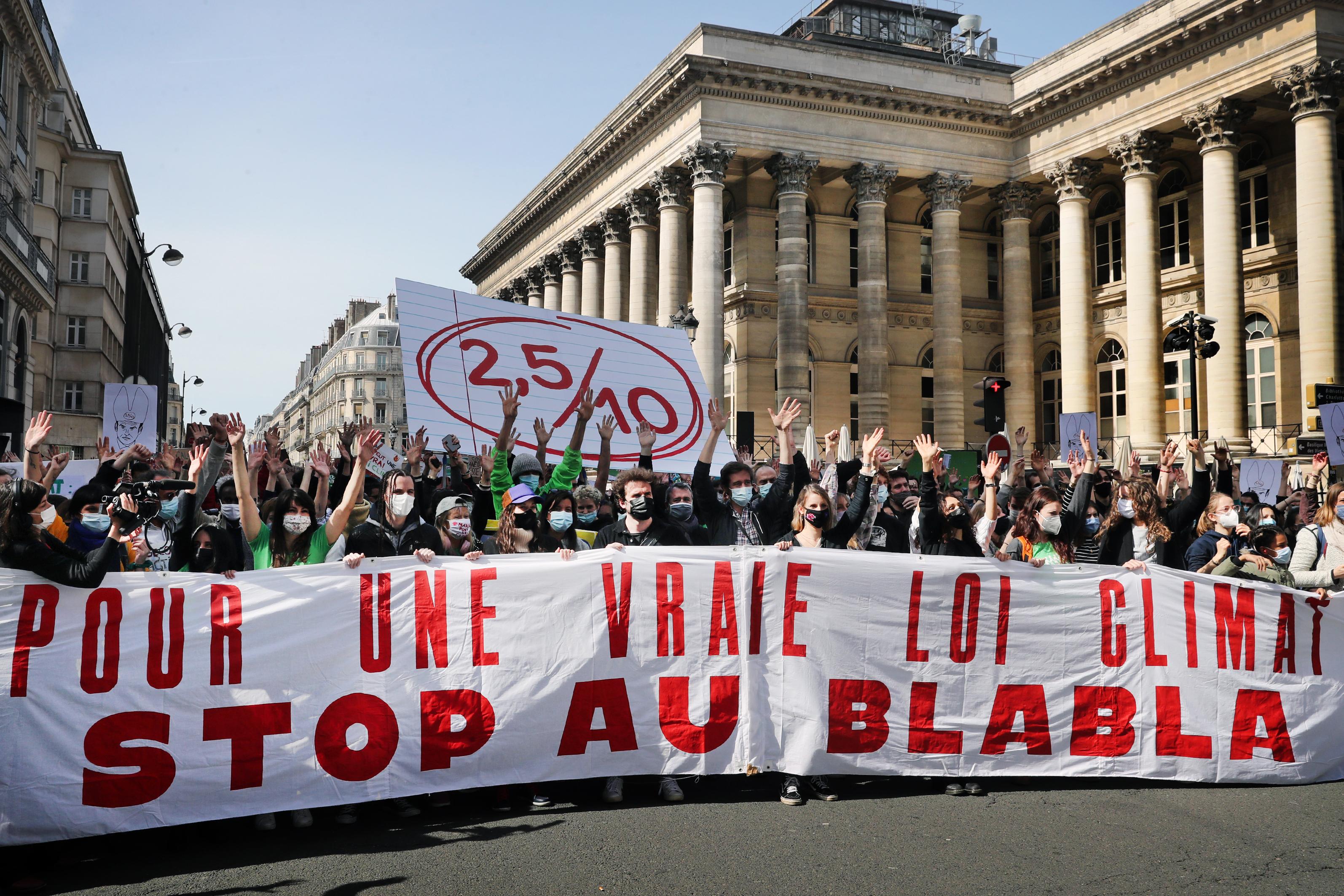 « Forte mobilisation » en France pour une « vraie loi climat », avant l'examen au Parlement