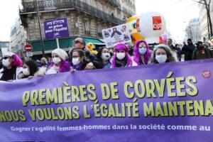 8 mars 15 h 40 : Manifestation et grève féministe à Paris