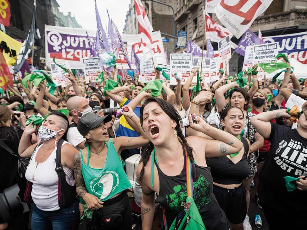 Mouvements sociaux : les femmes en première ligne