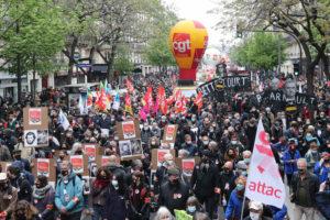 Vidéo - Des dizaines de milliers de personnes dans près de 300 manifestations en France