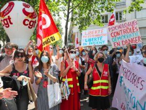 Appel du 10 juin : les psychologues mobilisés contre des mesures inquiétantes