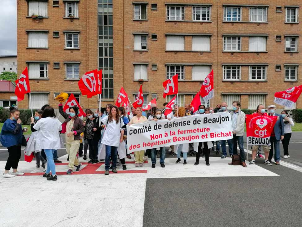 Les hôpitaux Bichat et Beaujon manifestent contre leur fusion-disparition