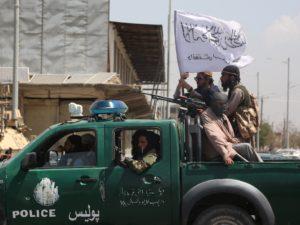 Les syndicats de journalistes français exigent des visas pour leurs confrères afghans