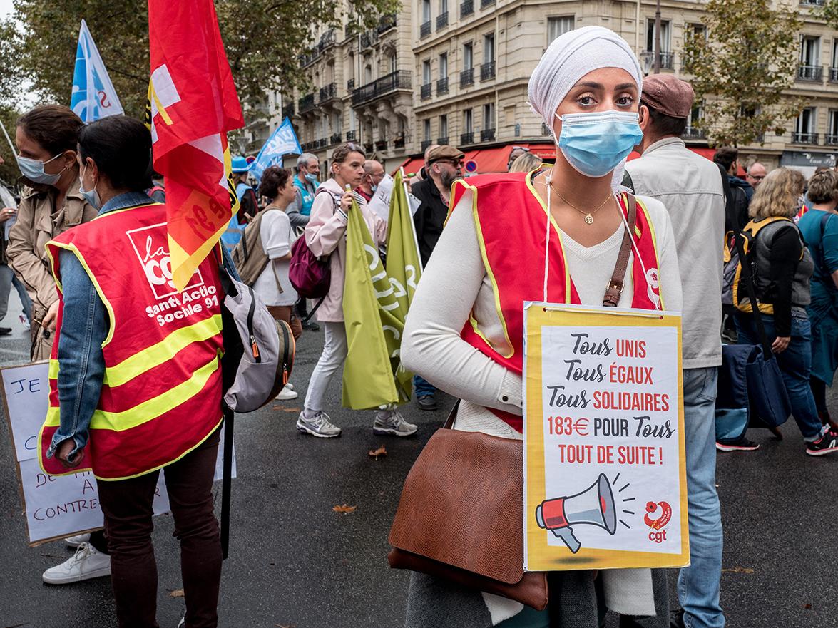 Les professionnels de santé manifestent contre l'obligation vaccinale et la dégradation des conditions de travail