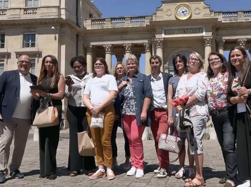 « Debout, les femmes ! », documentaire sur les bataillons de petites mains
