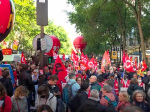 Plus de 150 000 manifestants pour remettre les revendications au centre du débat public
